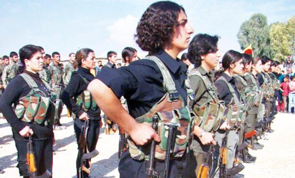 femei kurde in lupta