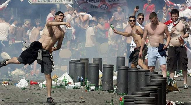Euro 2016 Violente suporteri