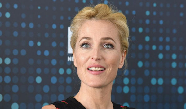 Sezon 3 The Crown Gillian Anderson
