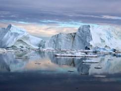 Gheaţa din Groenlanda se topeşte mai repede