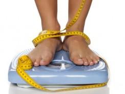 Statul în picioare ajută la scăderea în greutate