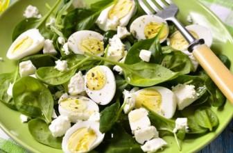 Salate cu spanac si ciuperci