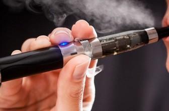 Utilizatorii de ţigări electronice: riscuri de cancer şi boli de inimă
