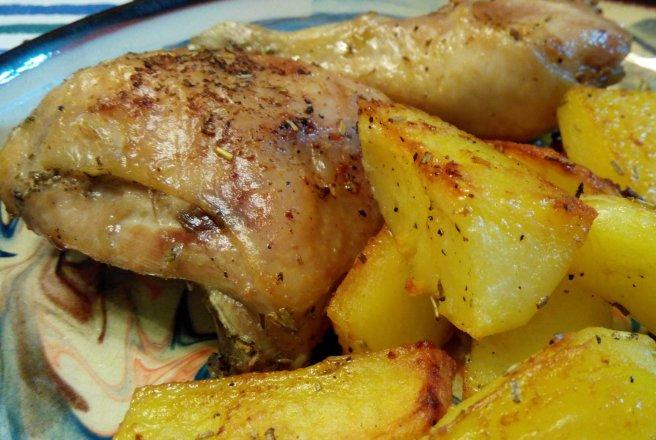 Pulpe de pui cu cartofi