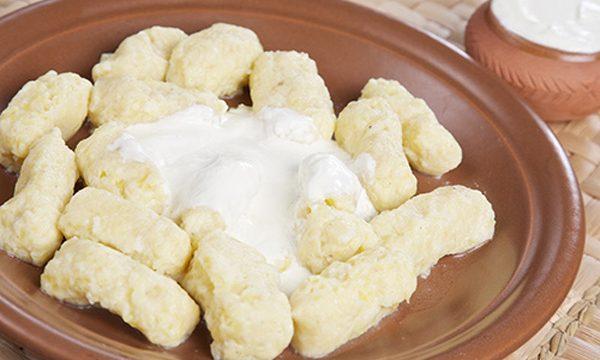 Reţetă colţunaşi cu brânză